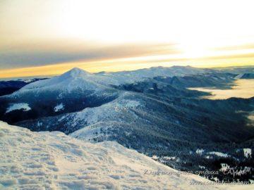 Вид на долину под горой