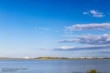 Город Ларнака соленое озеро