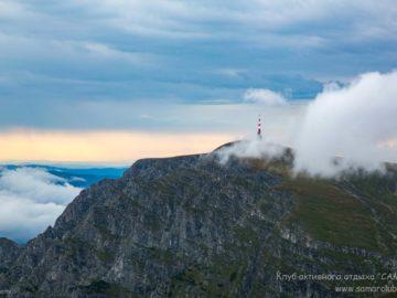 Маяк в облаках