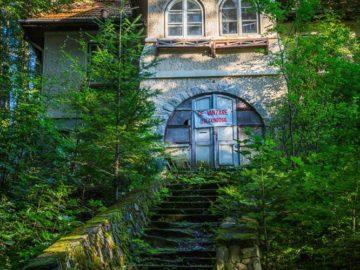 Продается старинный домик