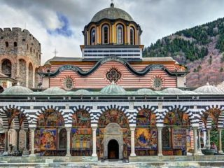 Рильский монастырь фасад