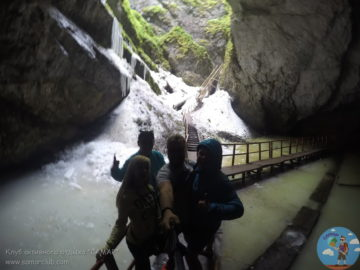 Селфи в пещере Скэришоара