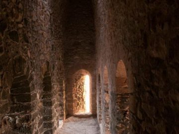 В древнем здании