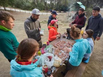 Завтрак в лагере