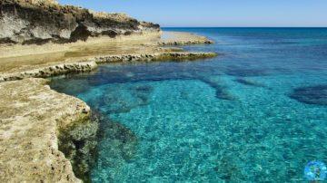 Мыс Греко каменный берег