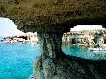 Мыс Греко отточенные скалы