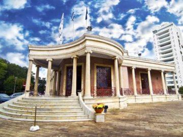 Никосия памятник