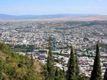 Тбилиси вид с высоты птичего полета