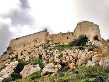 Замок Кантара у подньжья