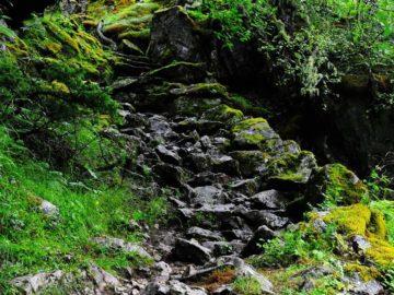 Каменные клади в горах