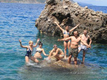 На подводном камне