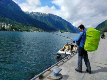 Пробуем рыбачить на пристани