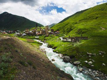 Река в поселении