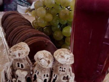 Сок виноград печенье
