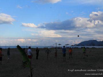 Вечерний волейбол