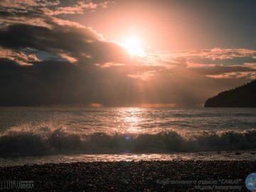 Волны и закат