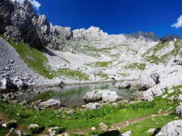 озерцо в горах