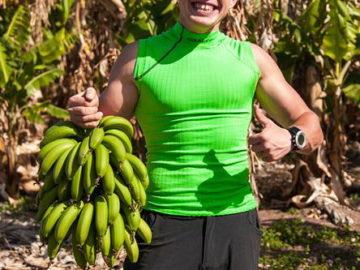 Со свзякой бананов