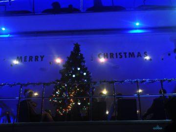 Празднования рождества на яхте