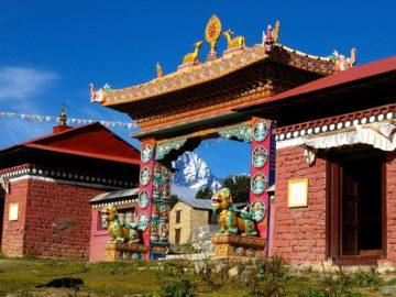 Вход в буддиский храм